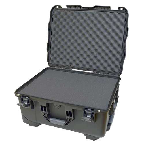Gator GU-2015-10-WPDF Black injection molded case with pullout handle, inline wheels, DICED FOAM