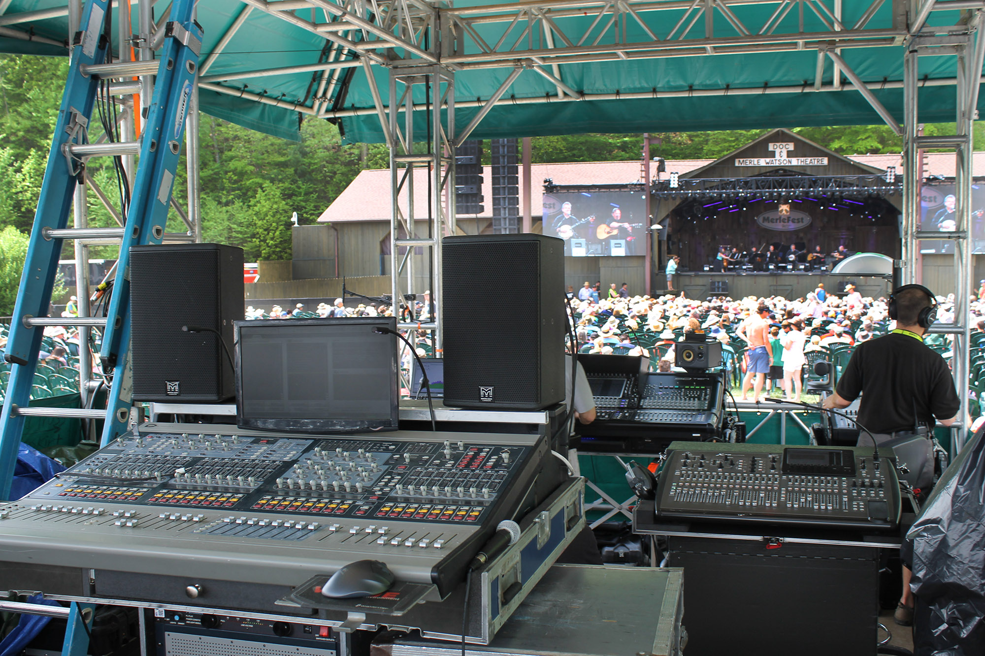 Consoles at Watson Stage Sunday