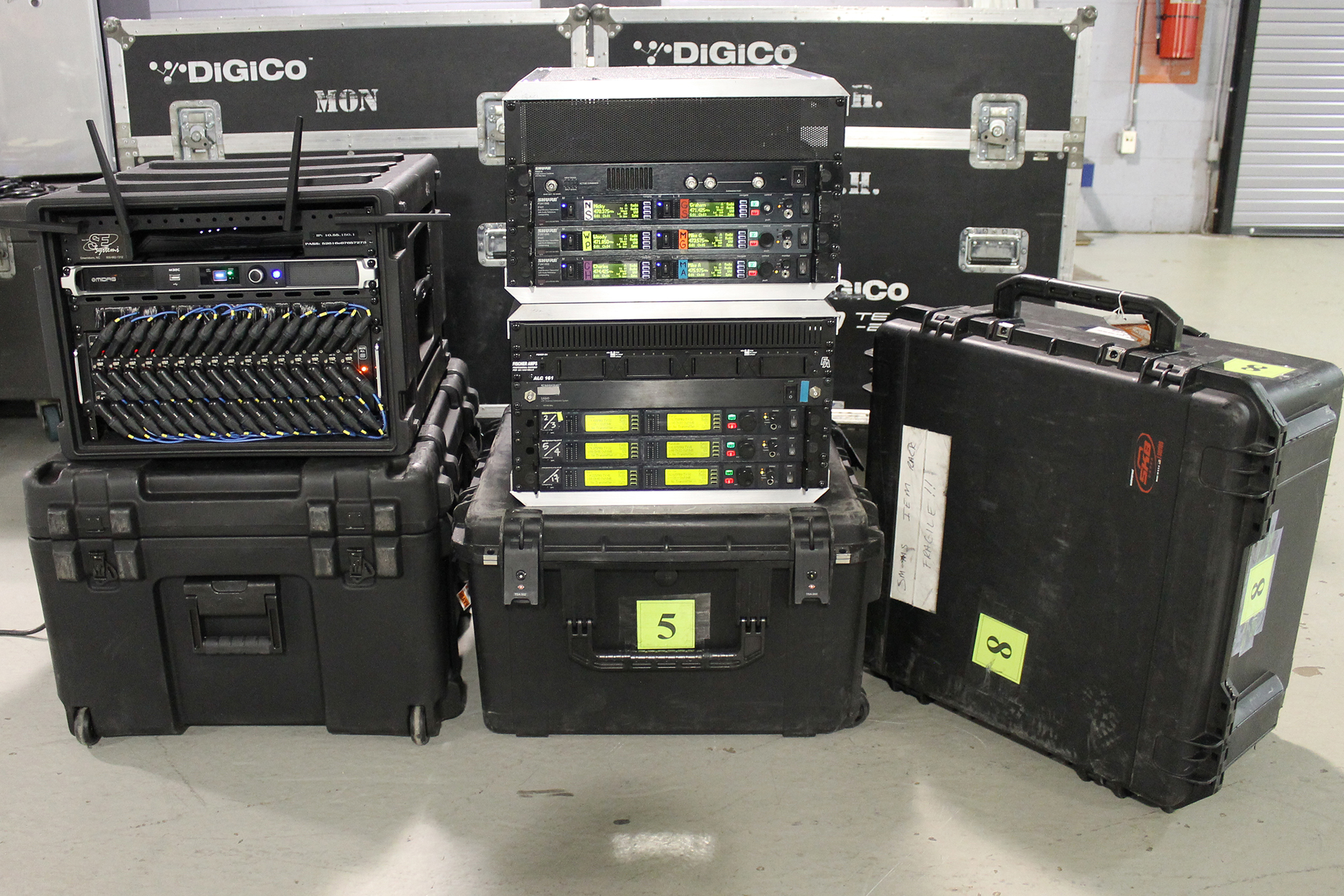 Steep Canyon Wireless Rack road cases